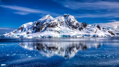 mountains_sea_456567_3840x2160_400
